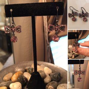 NWOT Vintage Sexy Filigree Black Bow drop earrings